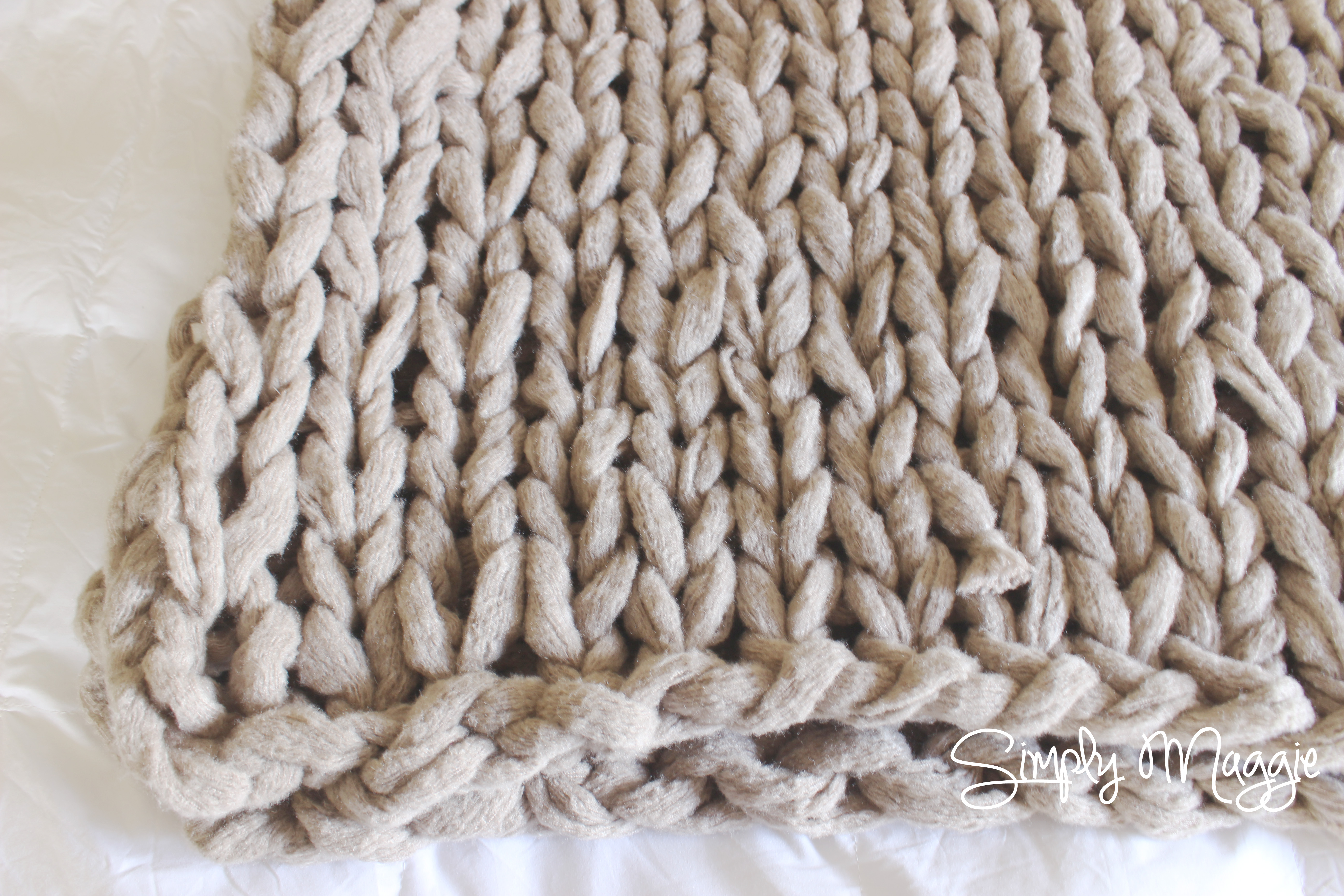 Arm Knit A Blanket In 45 Minutes Simplymaggie Com