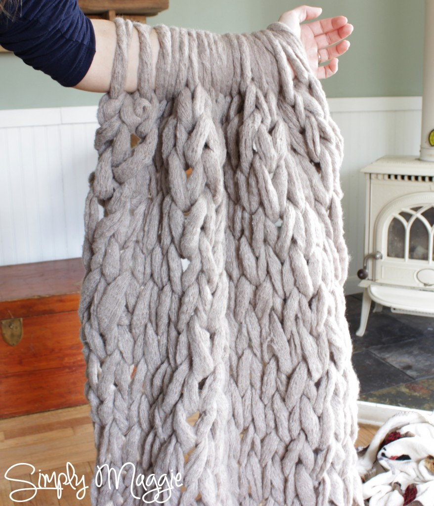 Hand Knitting With Arms : Arm knit a blanket in minutes by simply maggie