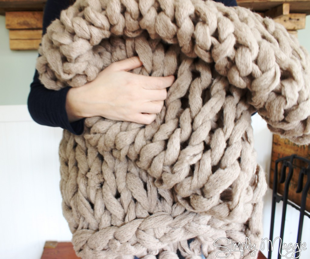 Crocheting With Arms : How to Arm Knit a Blanket in 45 Minutes! www.SimplyMaggie.com