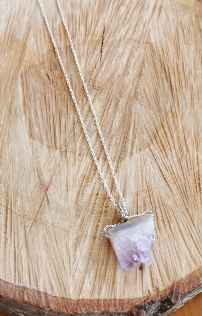 DIY Amethyst Agate Drzy Stone Necklace www.SimplyMaggie.com