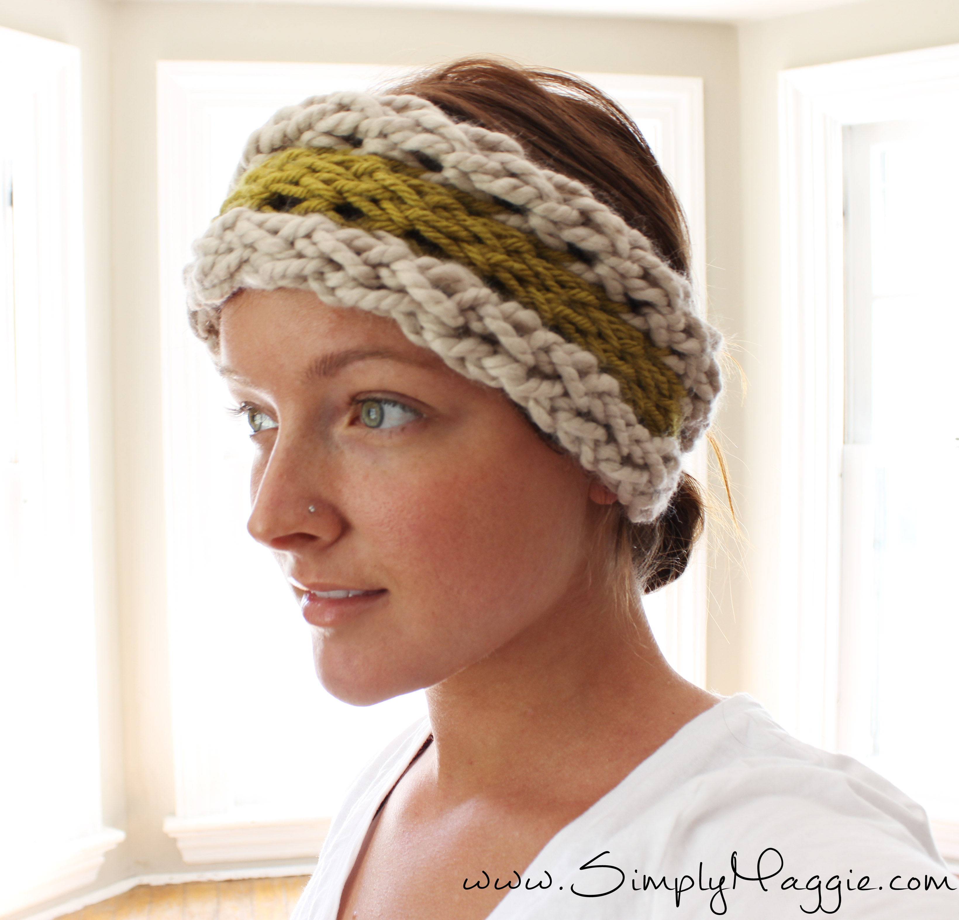 Diy 15 minute finger knit ear warmer simplymaggie how to finger knit an ear warmer in 15 minutes with simply maggie bankloansurffo Image collections