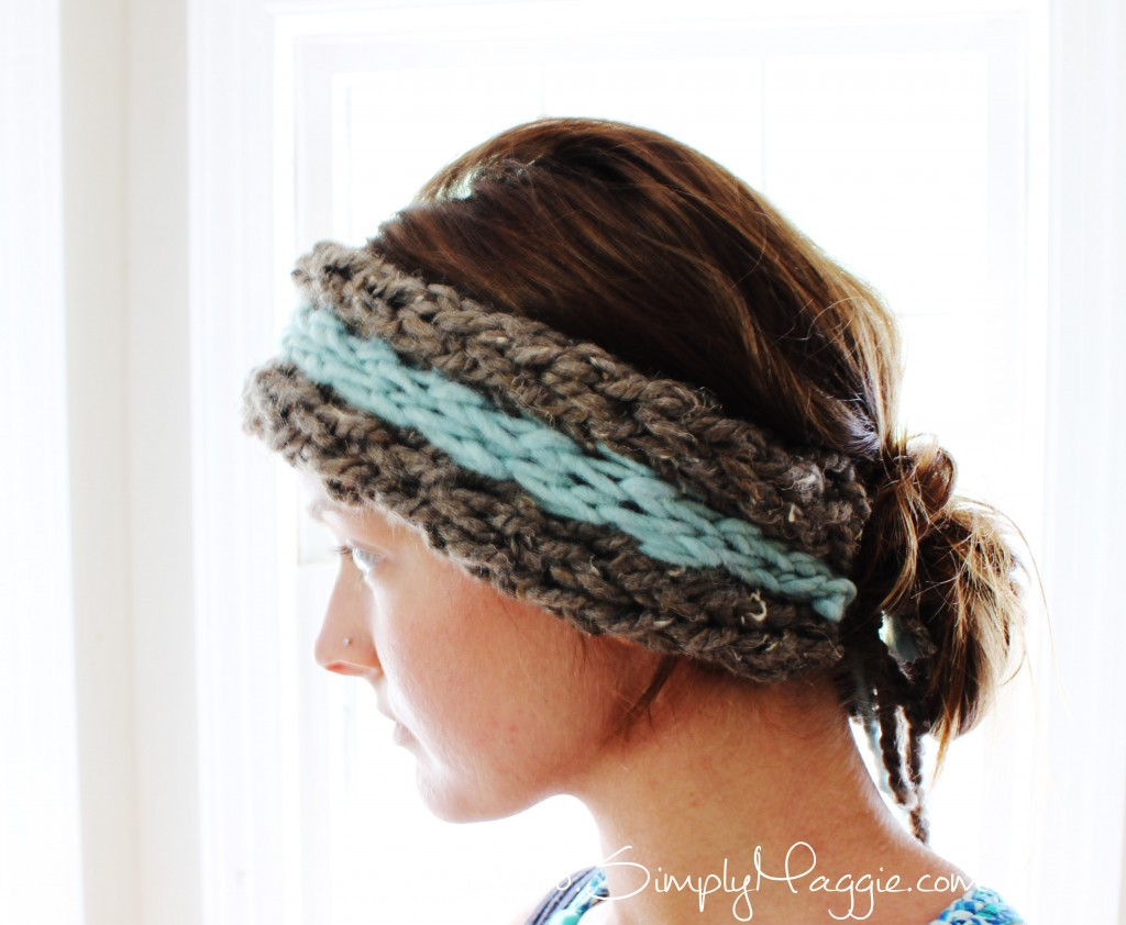 DIY 15 Minute Finger Knit Ear Warmer with Simplymaggie.com