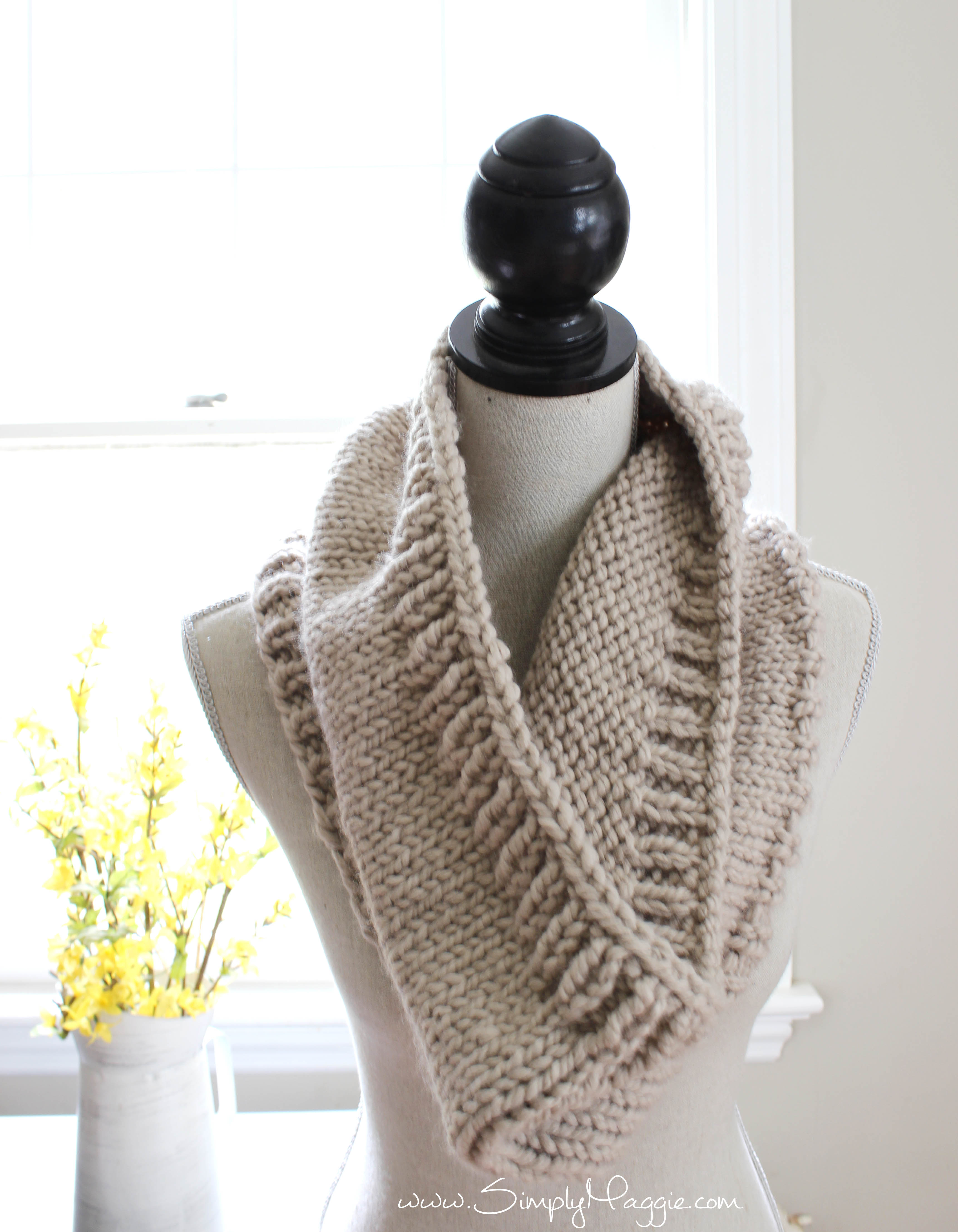 Spring Knit Infinity Scarf Simplymaggie Com