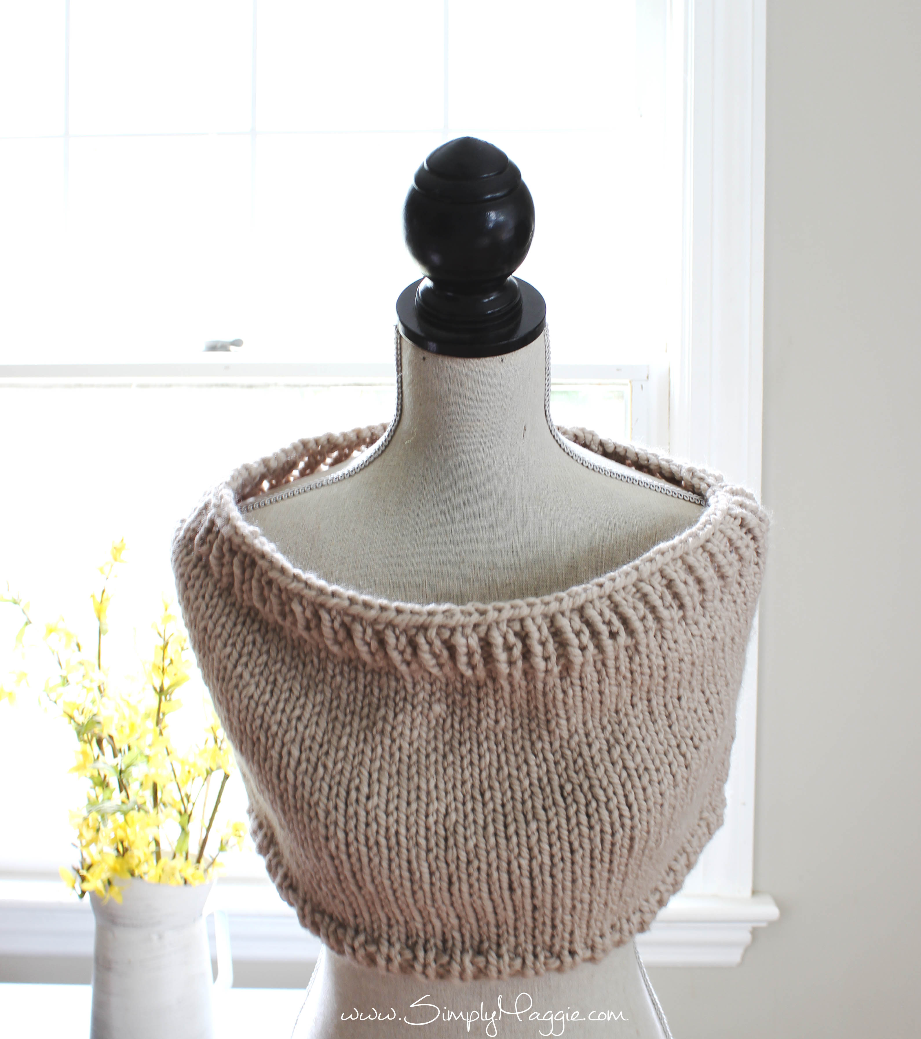 Chunky Knit Cowl Pattern Free : Chunky Tri-Style Knit Cowl Pattern (FREE!) SimplyMaggie.com