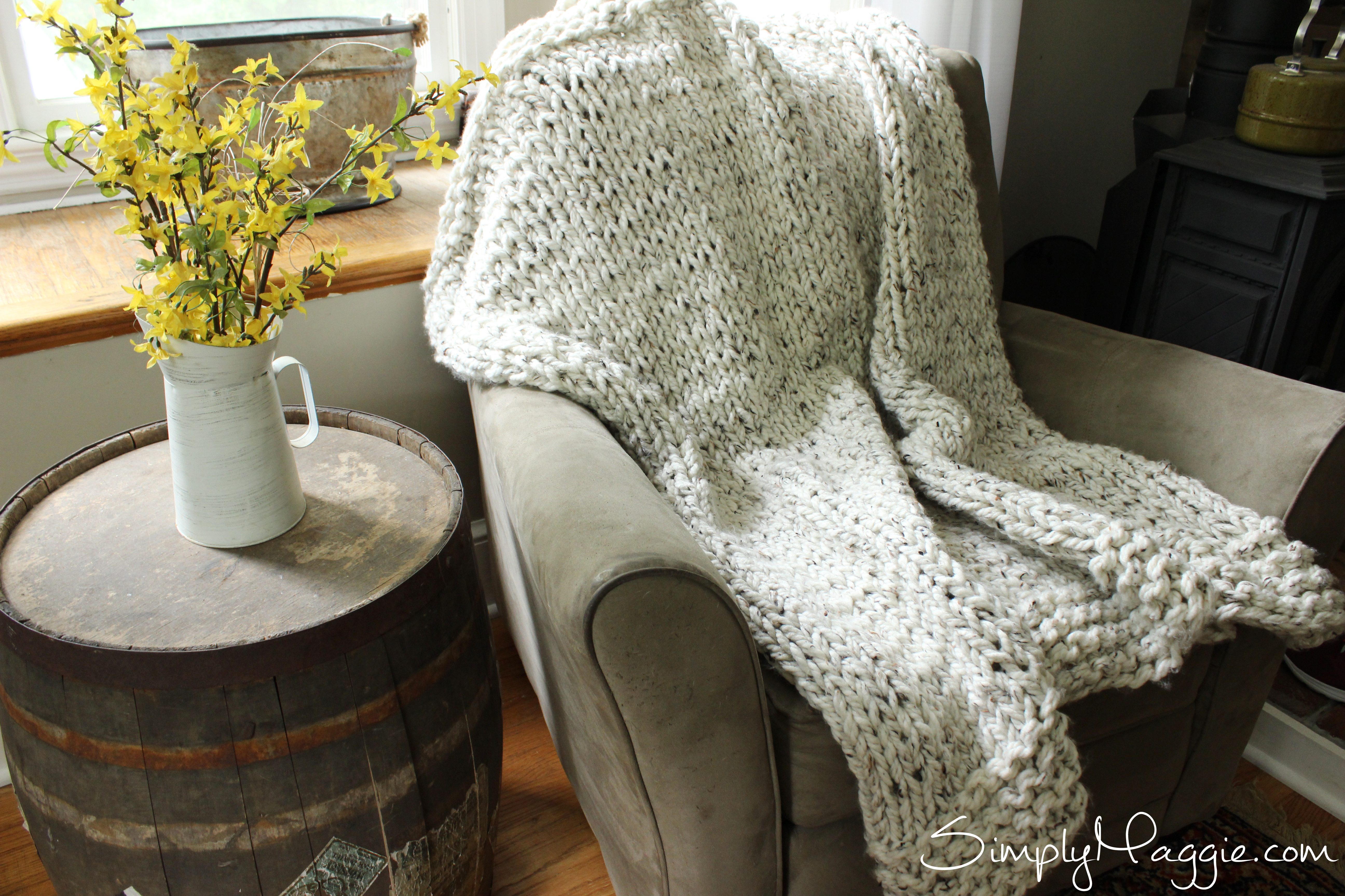 Giant Knit Blanket Pattern : Giant Knitting - Lush Blanket Pattern SimplyMaggie.com
