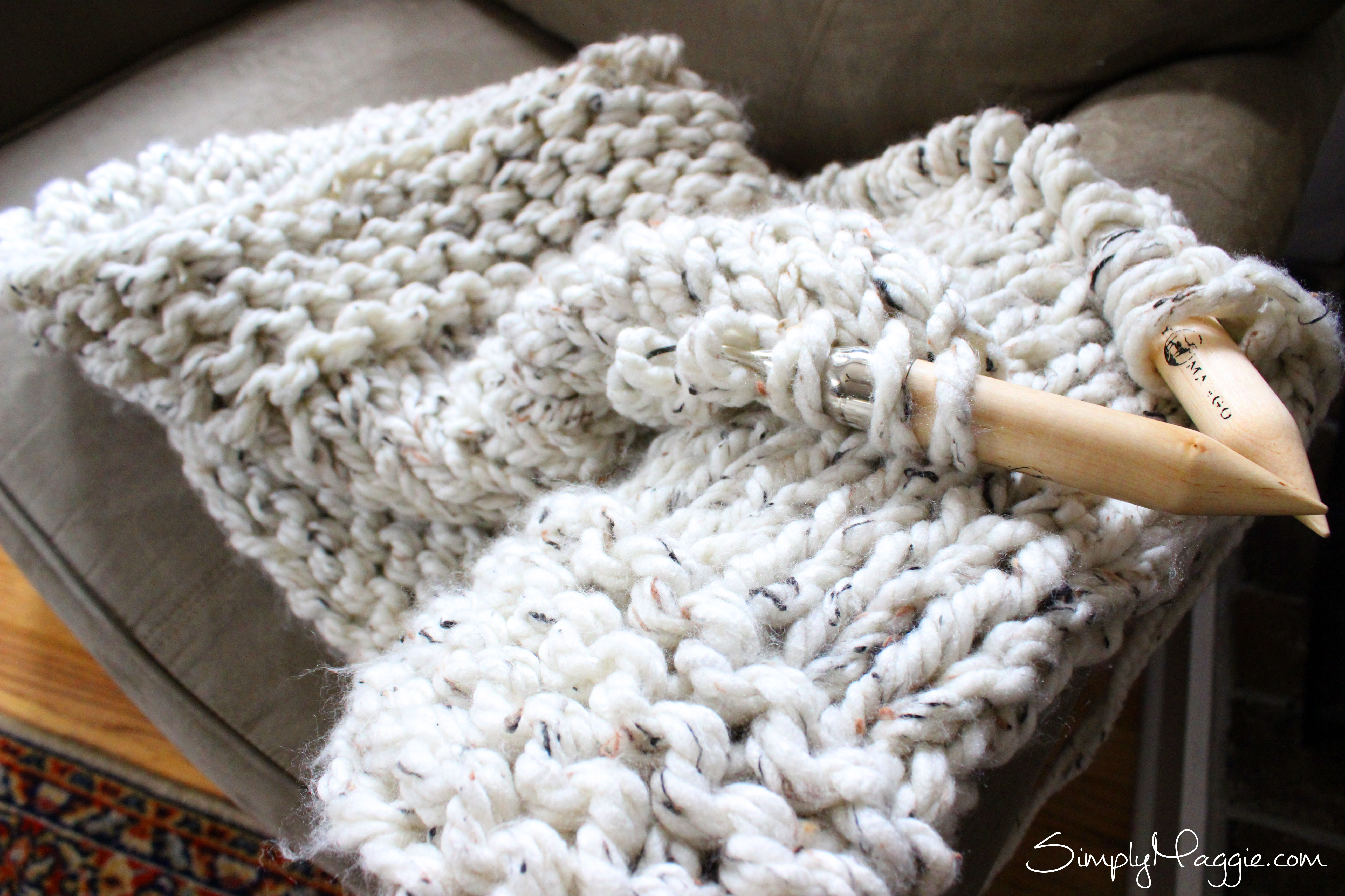 Giant Knit Blanket Pattern: Fancy minutes diy arm knitted blanket ...