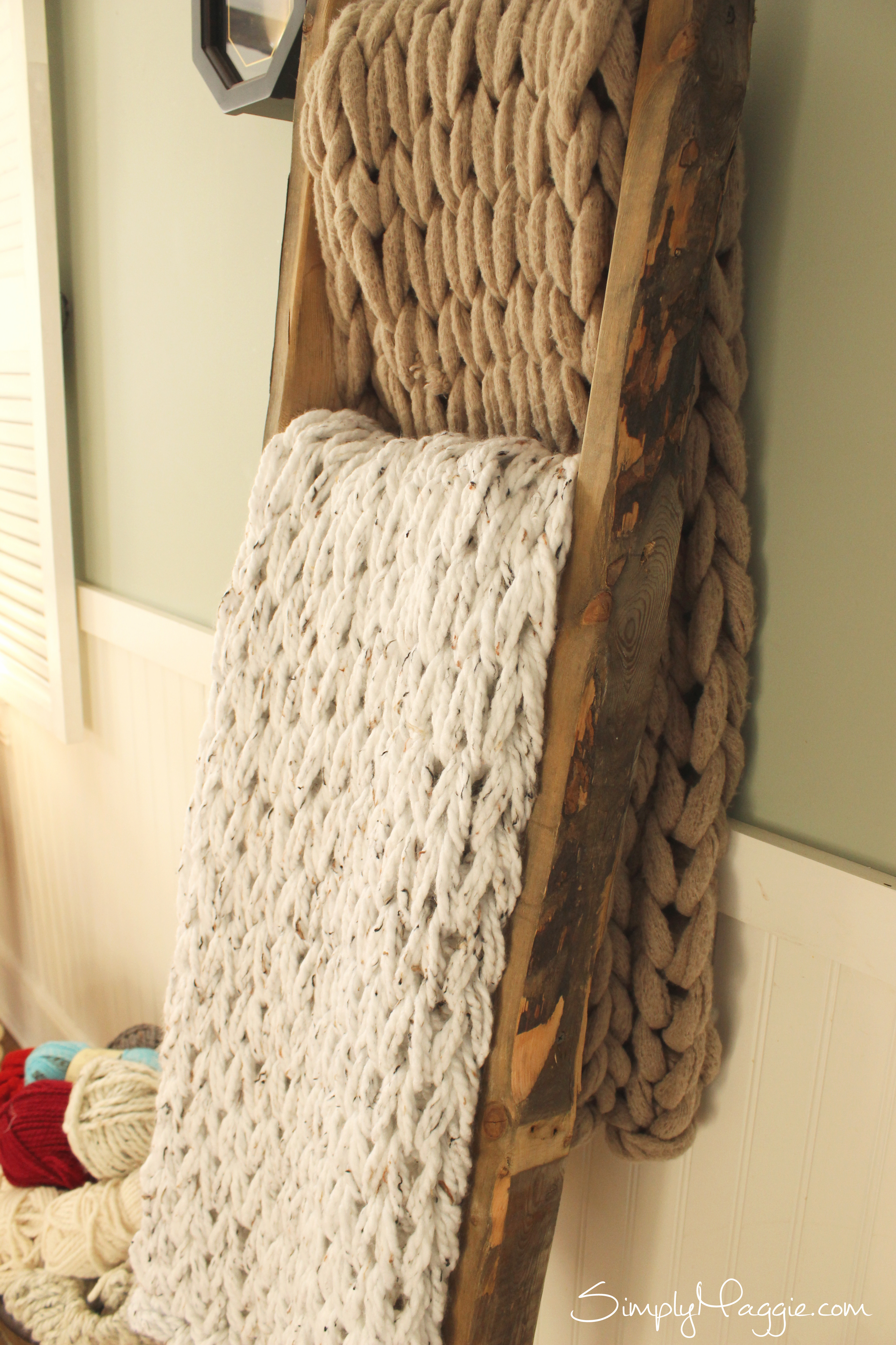 Knit a Chunky Blanket in 1 Hour with Arm knitting  | SimplyMaggie com
