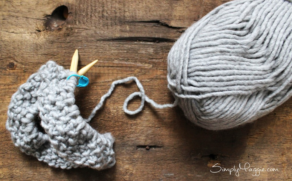 Free Moss Stitch Cowl Pattern - By Simply Maggie