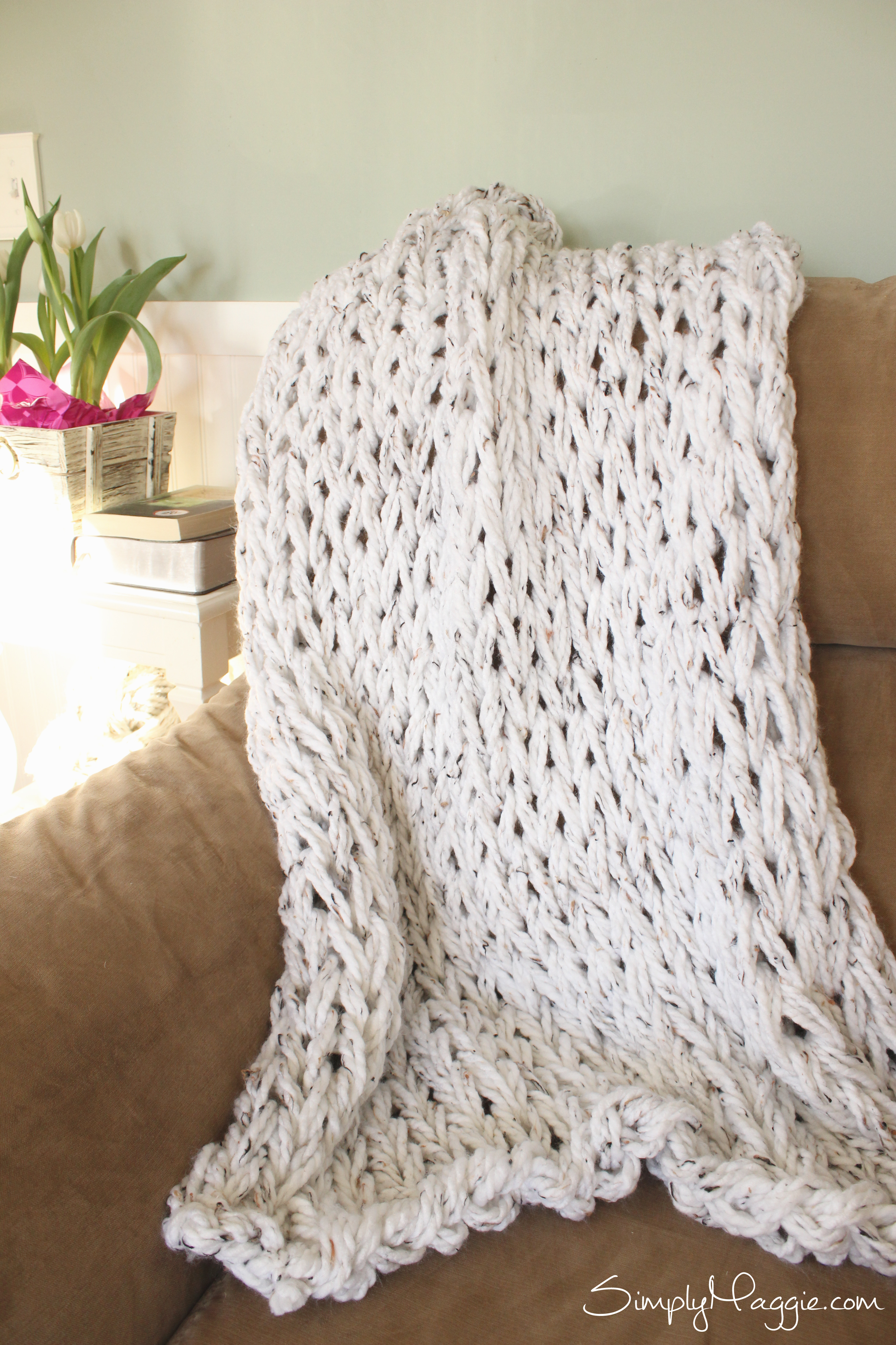 Knit a Chunky Blanket in 1 Hour with Arm knitting. SimplyMaggie.com