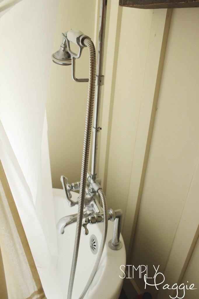 Claw foot tub shwer kit   SimplyMaggie.com