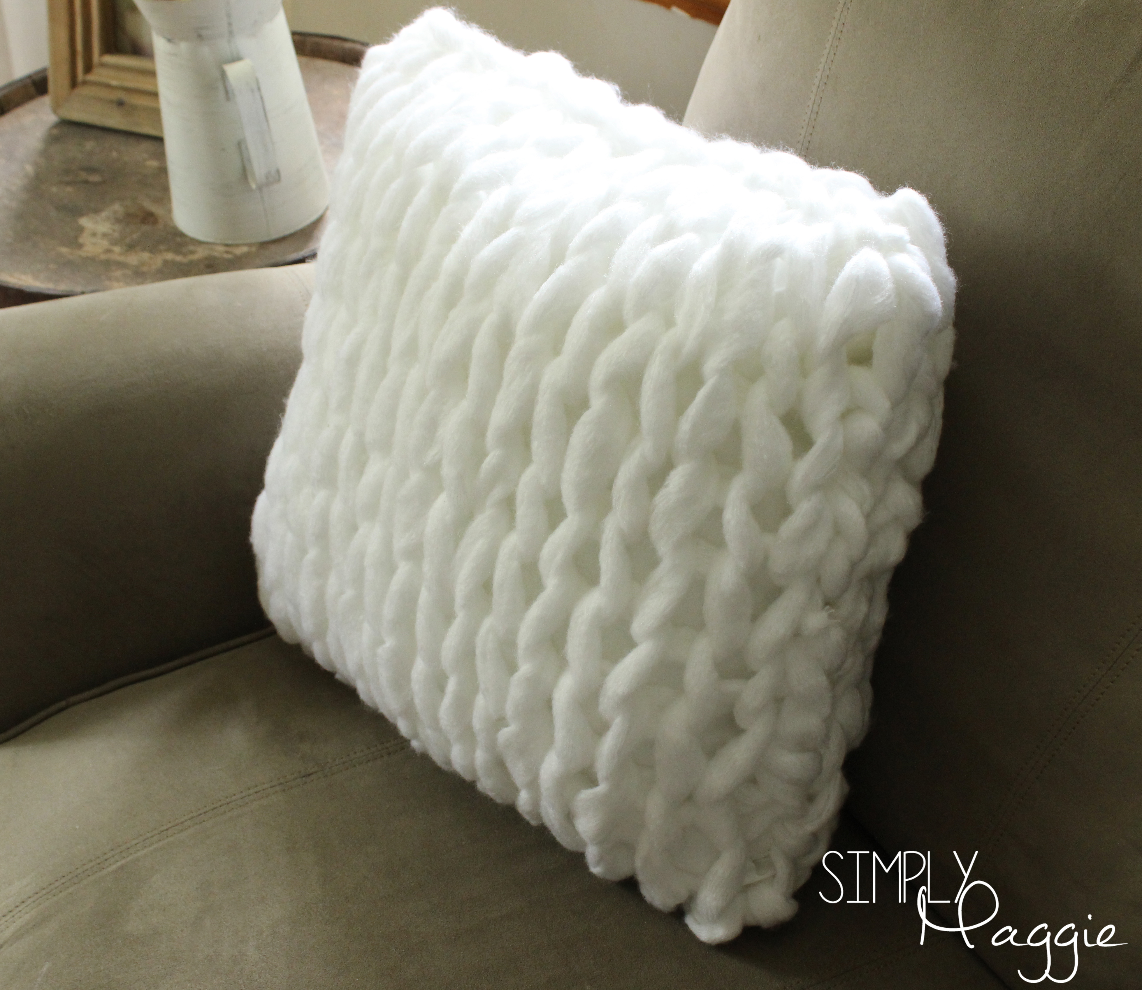 One hour arm knit pillow pattern simply maggie simplymaggie one hour arm knit pillow pattern simply maggie bankloansurffo Gallery