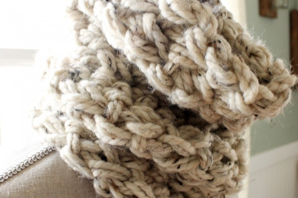Knitting Jobs Near Me : How to arm knit a fringe scarf in minutes