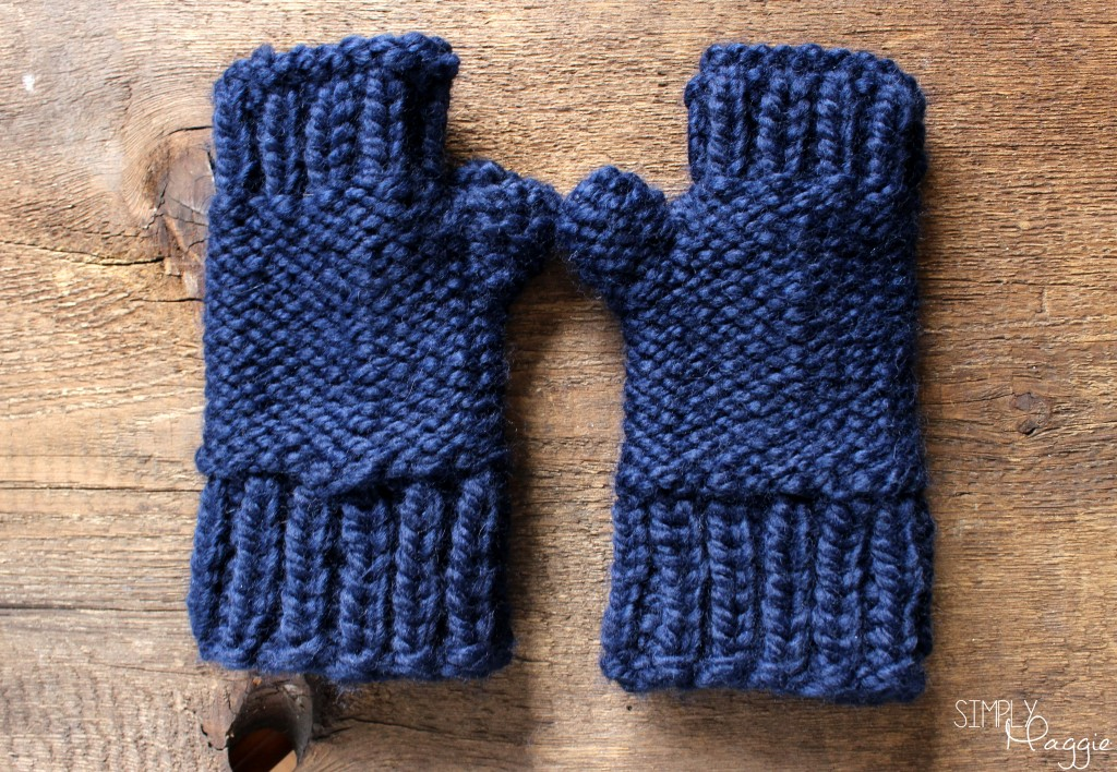 Knitting Pattern For Chunky Wool Mittens : Chunky Fingerless Mittens Pattern SimplyMaggie.com