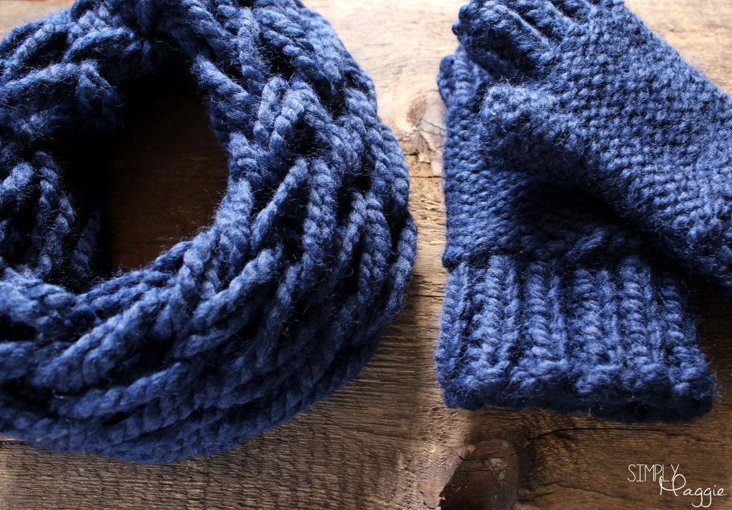 Blue Mittens and Scarf 2