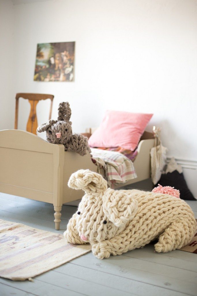 giant-stuffed-bunny-arm-knit-6579