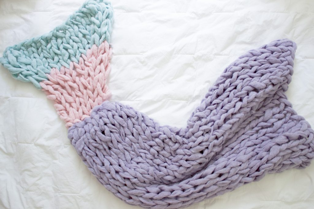 Knitting Pattern For Baby Mermaid Blanket : Arm Knit Mermaid blanket Free Pattern SimplyMaggie.com